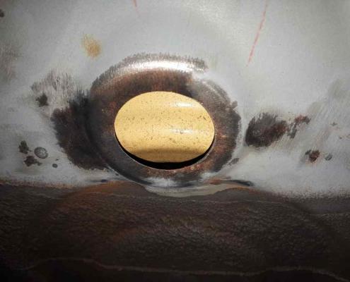egy kis csiszolás után máris előkerülnek a fémtiszta felületek
